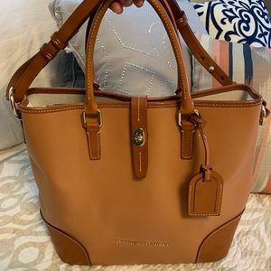 Dooney & Bourke large bucket purse brown leather